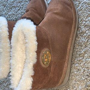 Micheal kors fur boots